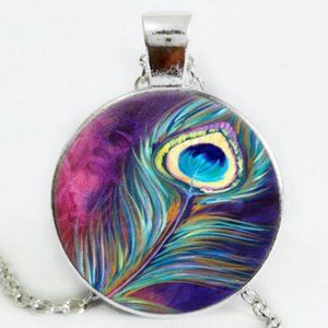 Necklace- NEW- Beautiful Peacock Bird Feather